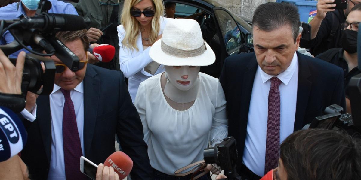 Επίθεση με βιτριόλι: Η δήλωση της κατηγορουμένης για την απουσία της